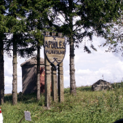"""Apuolės piliakalnis su gyvenviete įtrauktas (u.k. 24505) į  """"100 lankytinų kultūros paveldo objektų""""."""